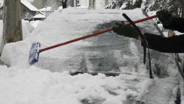 Como quitar el hielo nieve coche para no danarlo