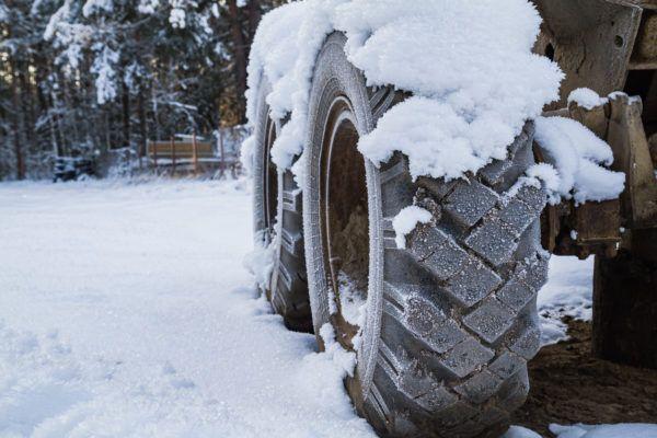 Mejores trucos consejos para conducir hielo nieve sin perder control