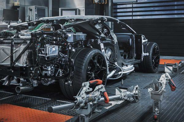 Bugatti Centodieci: precio, ficha técnica y fotos motores