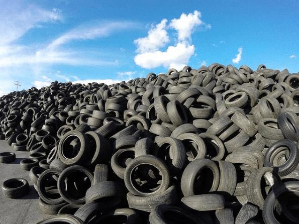La mejor guía y consejos para escoger los neumáticos de tu coche cementerio de neumáticos
