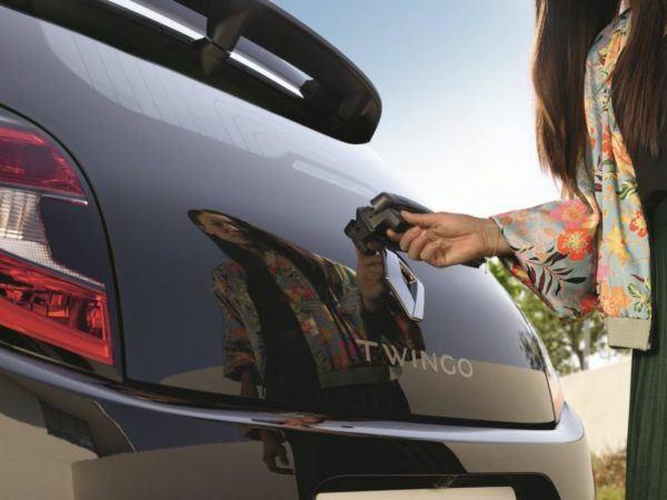 Renault Twingo 2021: precio, ficha técnica y fotos cámara trasera