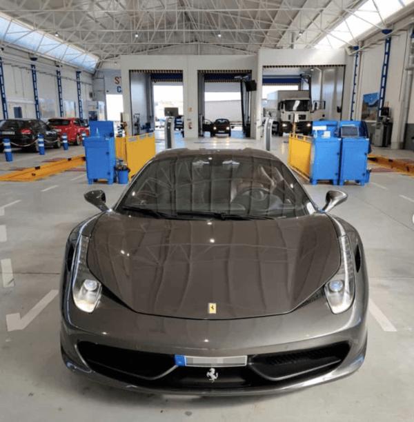 ¿Cómo es y cuánto vale la ITV de un coche eléctrico? Ferrari 486