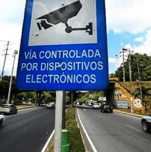 Multas por exceso de velocidad: límites, multas y la pérdida de puntos cámaras