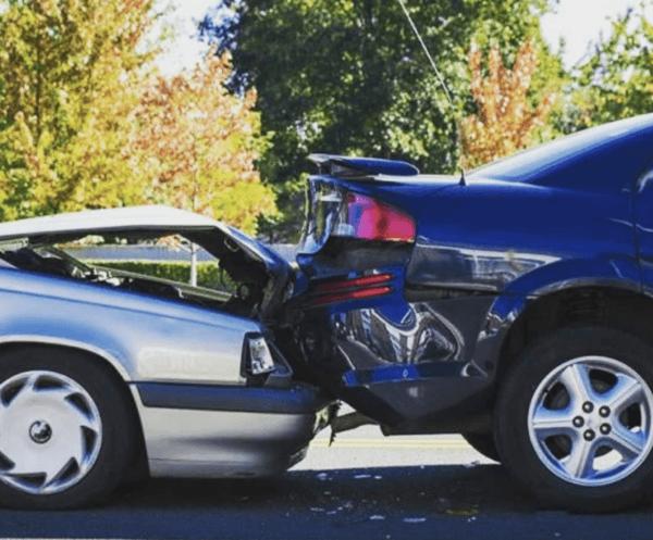 Cuáles son los tipos de seguro de coche y cuáles son los peligros de no tenerlo golpe detrás