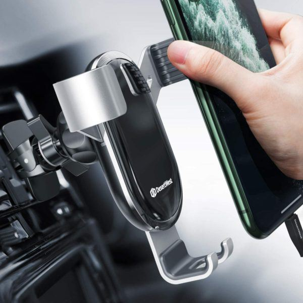 Mejores accesorios para tu vehiculo en verano soporte smartphone