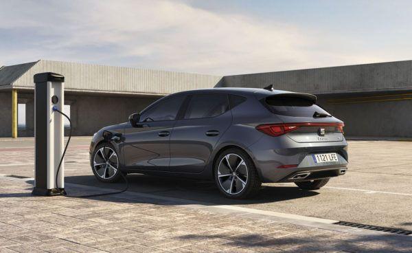 Los mejores coches híbridos enchufables de 2022 Seat León