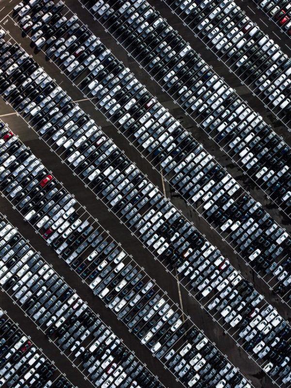 Las mejores pautas y consejos para comprar tu coche de kilómetro 0 stock