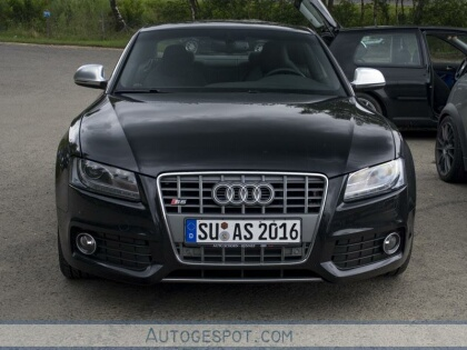 Audi 2013 on Audi Rs5 From Www Globalmotors Net